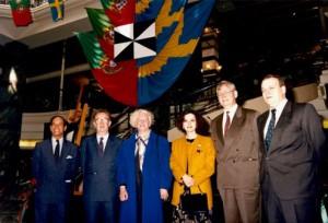 """Figura 4 - Uma das últimas iniciativas promocionais do Centro de Turismo de Portugal na Escandinávia – """"Semana de Lisboa"""" – com a colaboração da Câmara Municipal de Lisboa, do ICEP e da TAP. Na inauguração (da esquerda para a direita): director do CTP, presidentes dos Municípios de Lisboa e de Estocolmo, embaixadora de Portugal, presidente da administração da StureGalleriet (onde ocorreu parte do acontecimento) e delegado do ICEP (Maio-1992)"""